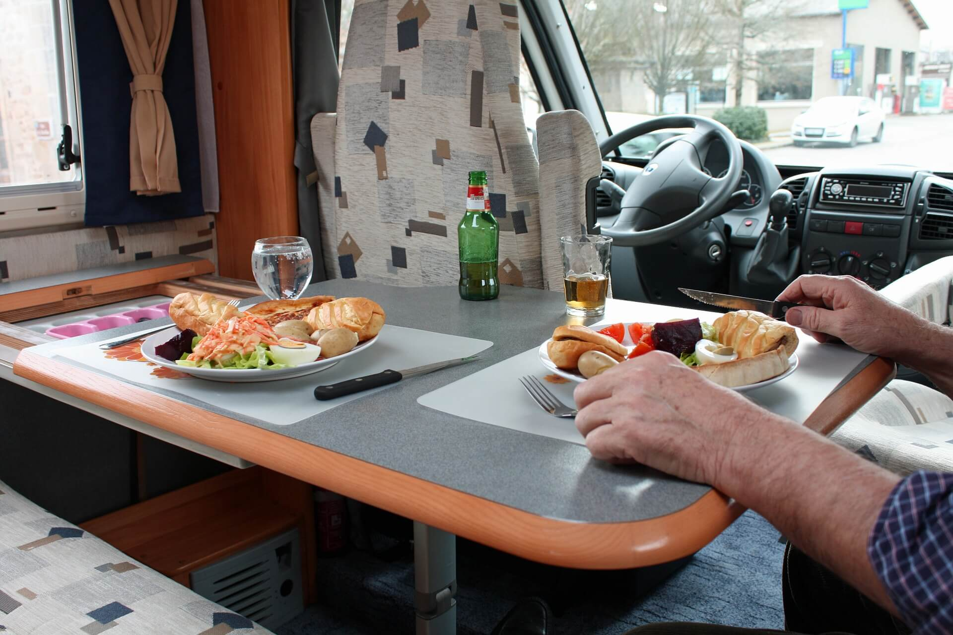Features your RV will need for a tailgate party